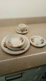 DINNER SET M&S ASHBERRY 12 X 6PC PERFECT COND. EXC FOR XMAS DINNER, PARTIES SPEC OCCASION