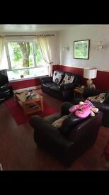 Large 2 bed flat to let in spruce road ( no deposit )