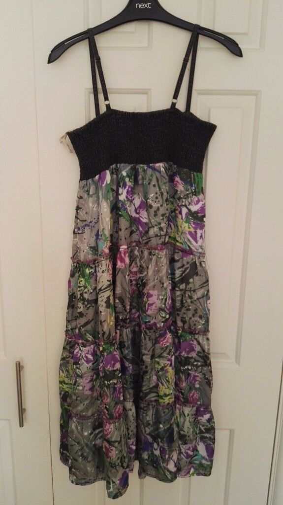 rarely used green floral dress, size 10-12