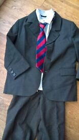 Boys suit Dark Grey great for weddings. Age 4+ HoF jacket, Next shirt and JL tie