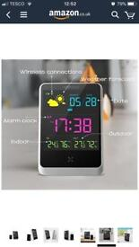 Weather station with alarm clock function