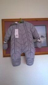 Unisex Grey Speckled Snow Suit 0-3 months New