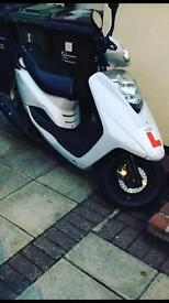 White yamaha 125,MOT until March 2017,nice clean and reilable.