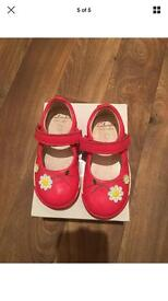 Clarks girls Softly Jam Fst Coral Patent Shoes Size 5 1/2 F