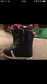 Burton snowboard boots size 5