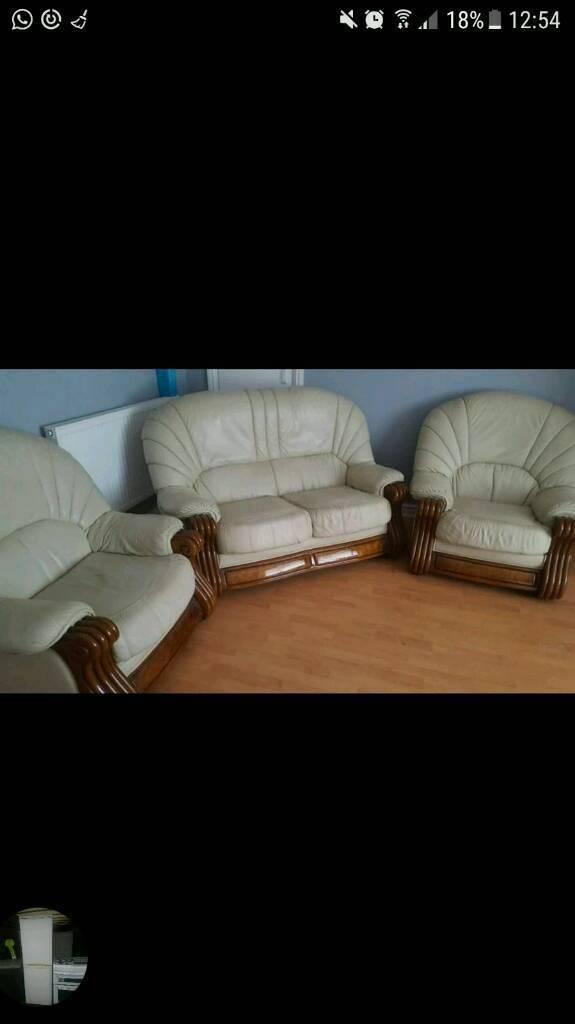 Three-piece settee
