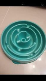 Dog feeding bowl for fast eaters