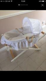 Moses Basket and Stand Excellent