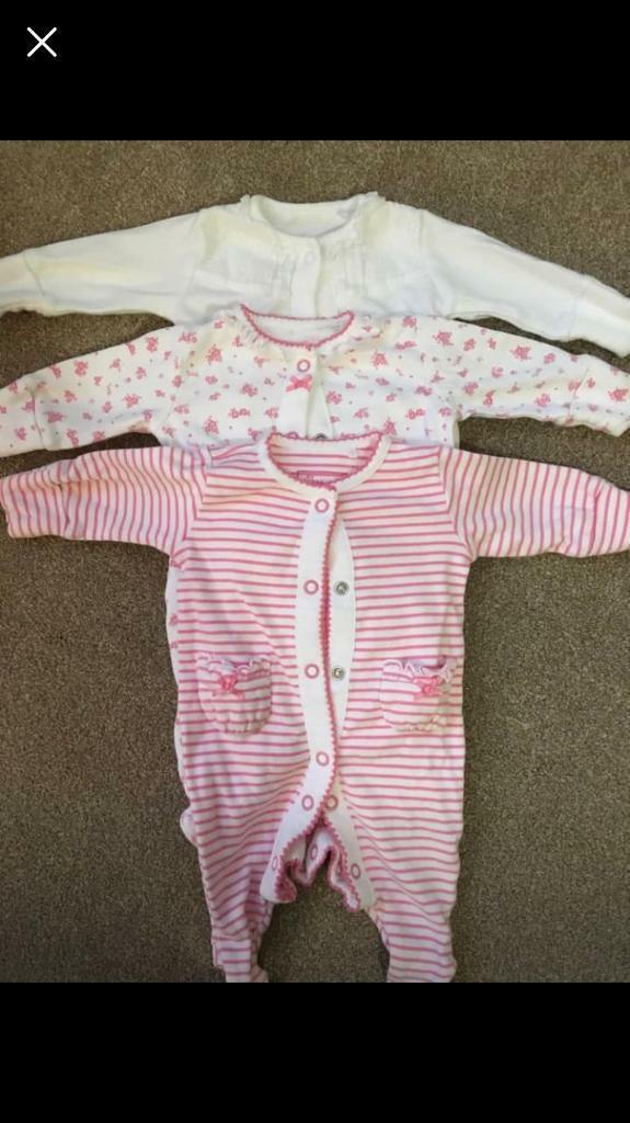 bd5625fb1367 Bundle of baby girl clothes-early tiny baby- from 5lbs upwards