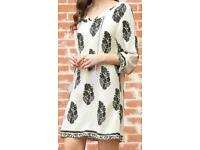 Women's White & Black Leaf Pattern Design Dress. Size 10-11. BNWT.