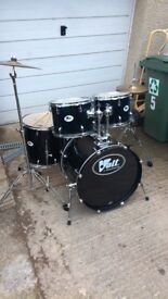 Volt 5 drum kit with all stands and cymbals