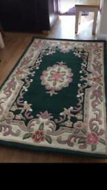 Hand carved 100 % wool bottle green rug