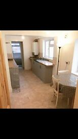 Large airy double room in house share Easton