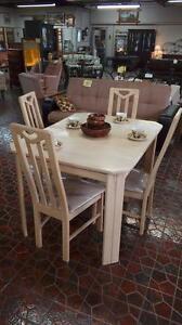 Table de Cuisine Ensemble 4 chaises Livraison Disponible
