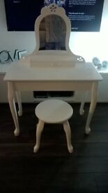 Shabby Chic Style Beautiful white girls vanity / dressing table with stool