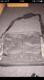 Targus laptop bag / carry case