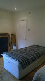 Spacious Open Plan Flat Next To Clapham Common Underground Station £125 each per week for 3 sharers