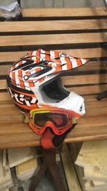 Mens Motocross Helmet size Medium