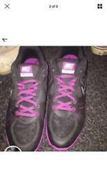 Women's Nike trainers size 6