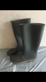 Size 7 welly boots