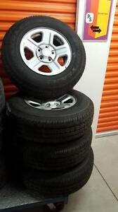 (42) Pneus d'Hiver - Winter Tires 225-75-16 Goodyear Wrangler