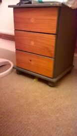 bed side table free