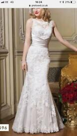 Justin Alexander 8596 Wedding Dress size 10 mermaid trumpet