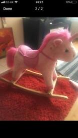 Toddlerrocking horse
