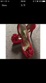 Size 4 heels for £2 shoes sandals