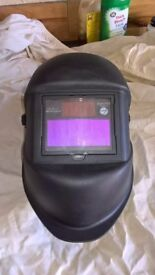 Welding Mask. Quick acting dimming