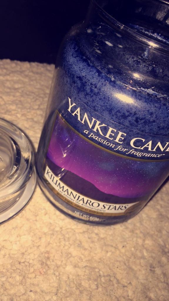 LARGE YANKEE CANDLE - KILIMANJARO STARS