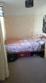 DOUBLE ROOM IN BRIGHTON
