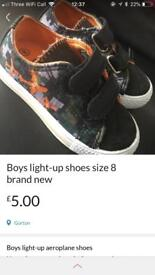 Brand new boys light up shoes size 8