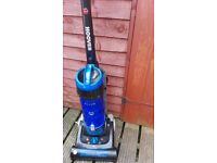 Hoover TH71 Bl01 Breeze Bagless Upright Cleaner