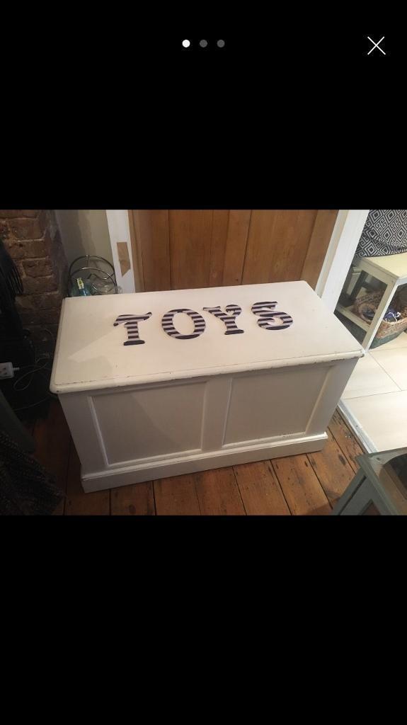 Pine Toy Box