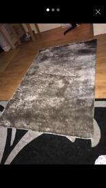 Luxury rug (silver/grey)