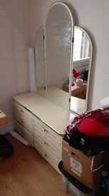 Big dressing table with 6 draws n 3 mirror