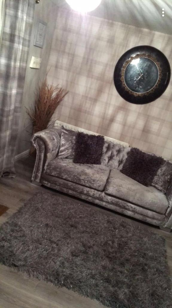 3- seater chesterfield style sofa