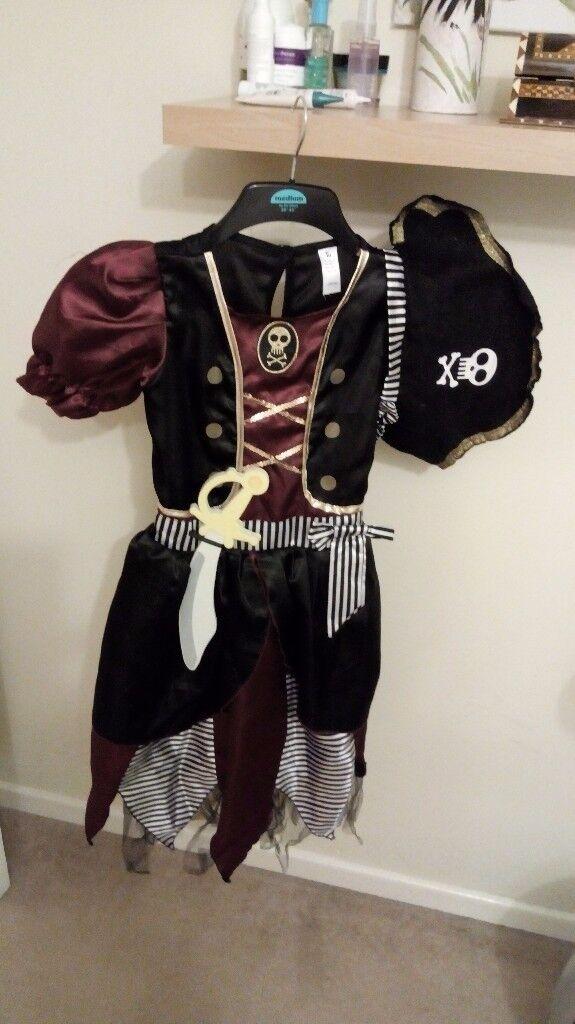 Girls Halloween pirate dress age 9-10