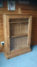 Solid pine glass-fronted cabinet / bookcase with 4 adjustable shelves