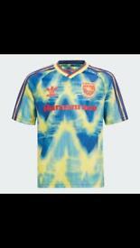 Men's Arsenal Adidas Human Race Shirt size extra small XS pharrell Williams