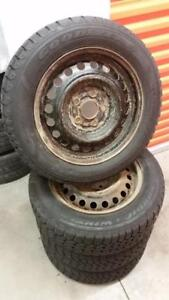 (H230) Pneus Hiver - Winter Tires 195-60-15 Goodyear 2x 8/32 2x 9/32