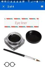 Black liquid eye liner