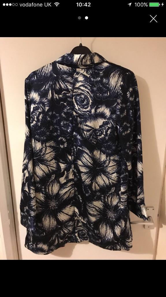 Floral silky jacket