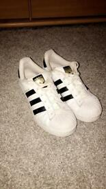 Adidas superstars size 6