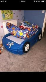 Car bed blue