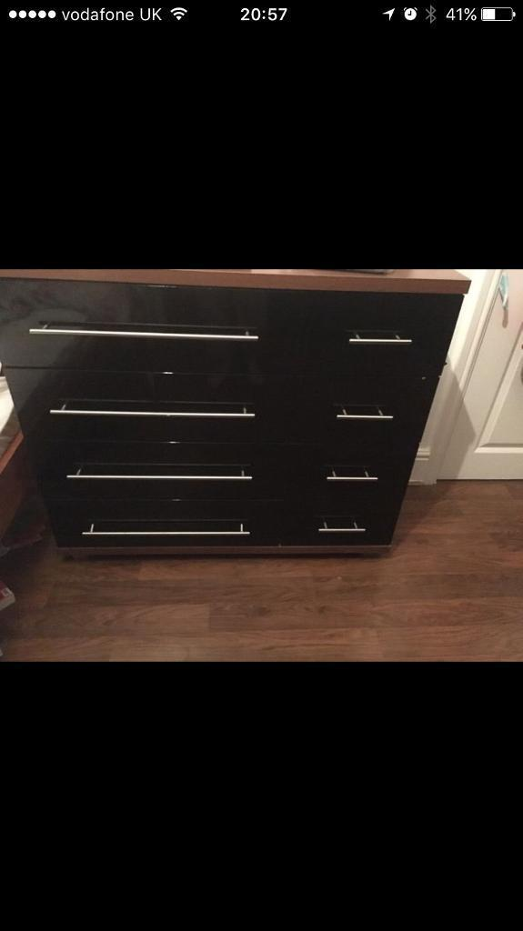 Black Gloss Bedroom Furniture Wardrobe And Drawers