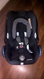 Maxi Cosi Cabriofix Baby Car Seat Black