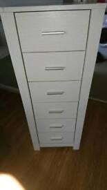 2x drawers