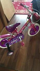 Girls bike for sale. 10 pound ** can deliver for fuel